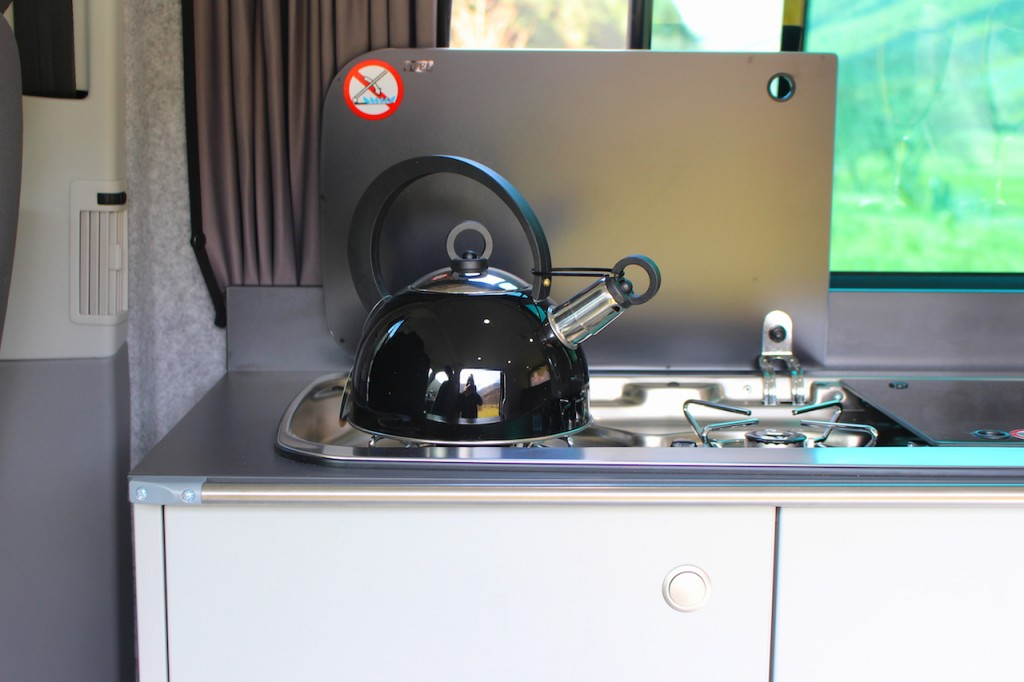 Practical Campervan with Kitchen Units
