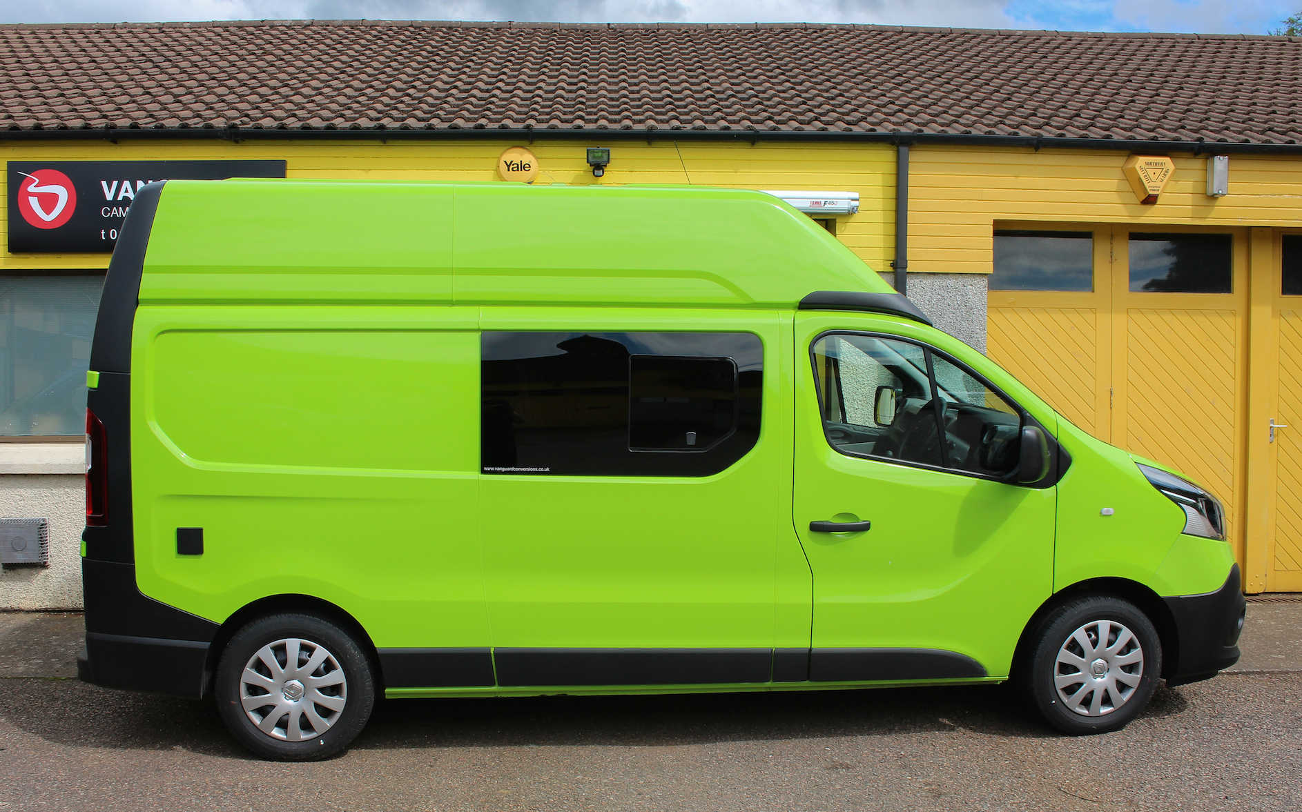 Campervans For Sale >> Renault Trafic MTB Campervan